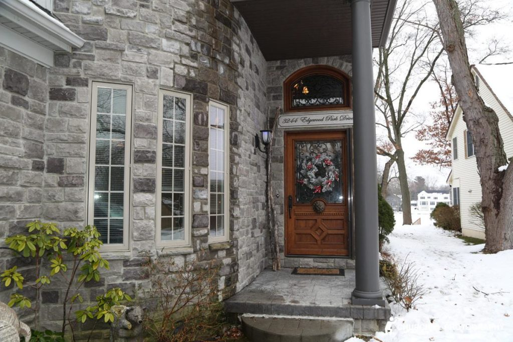 Realtor Photography: Front door of house