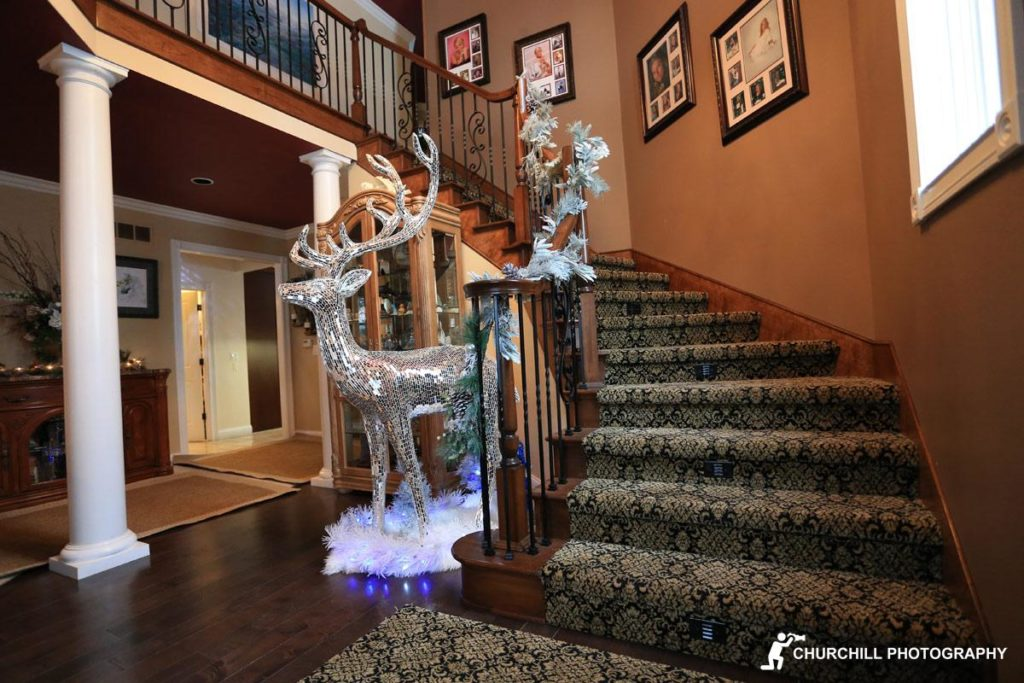 Realtor Photography: Grand staircase